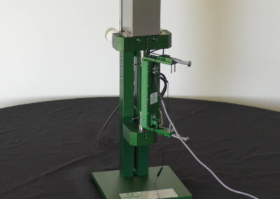 adapter_for_extensometers_with_long_gauge_lengths-Model_3590VHR_extensometer_calibrator_with_3543
