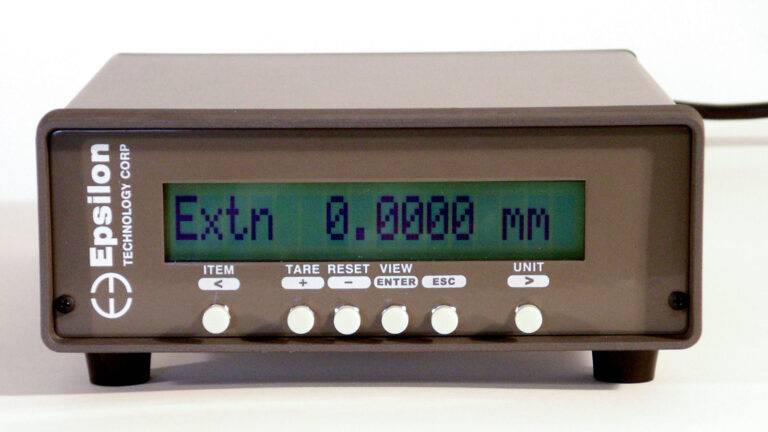 extensometer_digital_strain_meter-signal_conditioner_and_readout-Model_DSM-Plus-overview