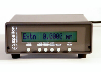 extensometer_digital_strain_meter-signal_conditioner_and_readout-Model_DSM-Plus-uc