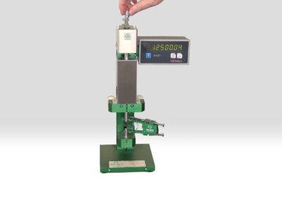 high_resolution_extensometer_calibrator_with_DRO-Model_3590VHR