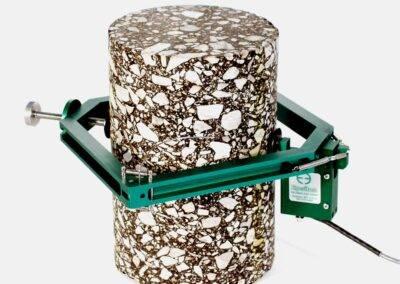 rock_and_concrete_diametral_strain_measurement-Model_3975