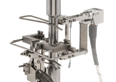 transverse_and_axial_extensometers_for_measuring_Poissons_ratio_in_an_environmental_chamber-Model_7675_and_Model_7642