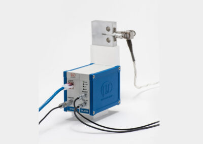 high_temperature_clip-on_gage_with_signal_conditioner-model_7641-crop