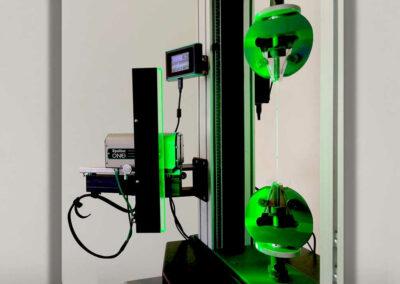 video extensometer for high-elongation plastics